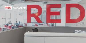 https://cdn.hellostudy.com.tw/wp-content/uploads/2018/03/Red-Academy-Hello-Study-1-1-300x150.png