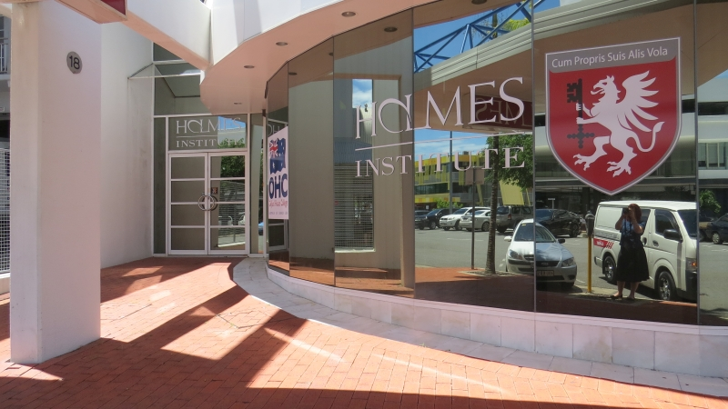 holmes-institute-cairns-5
